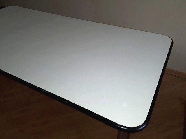 Mesa Escritório 1.73 X 0.83m / Pés Cromados Desmontáveis e Contorno de Borracha - Foto 3