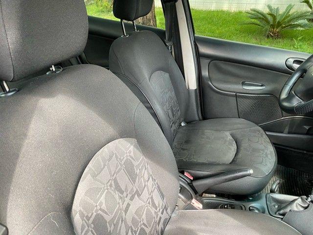 Peugeot 207 Passion 1.4 2011 Completo Impecável  - Foto 12