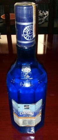 Antiga Garrafa do Licor Curaçau Blue