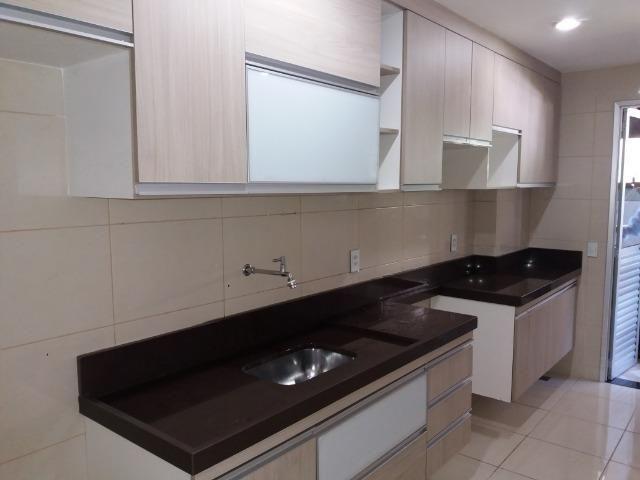Excelente apartamento 2 quartos no térreo em Colina de Laranjeiras, c/ Armários