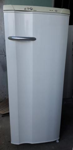 Electrolux degelo seco 450,00