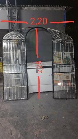 Porta colonial de ferro