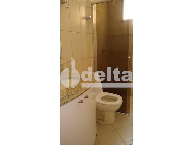 Apartamento para alugar com 3 dormitórios em Saraiva, Uberlândia cod:605513 - Foto 9