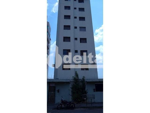 Apartamento para alugar com 3 dormitórios em Saraiva, Uberlândia cod:605513