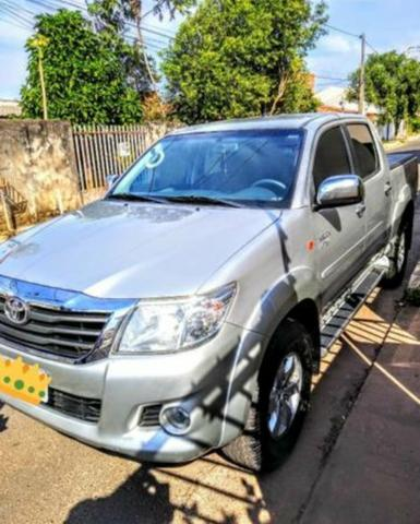 Camionete Toyota Hilux 2.7 cd srv 2012 automatica