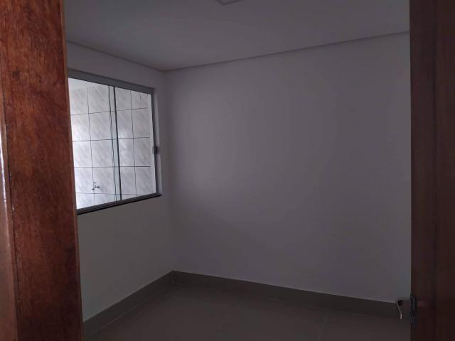 Vendo casa escriturada de 3 quartos na 102 do Recanto das Emas. - Foto 2