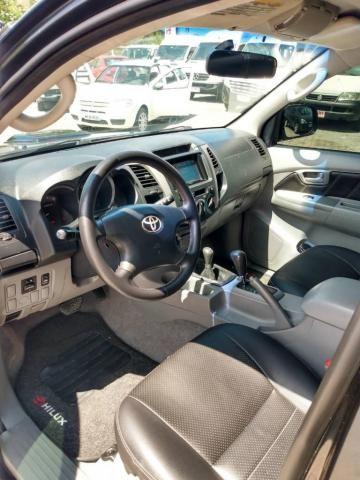 Toyota Hilux 4x4 - Foto 8