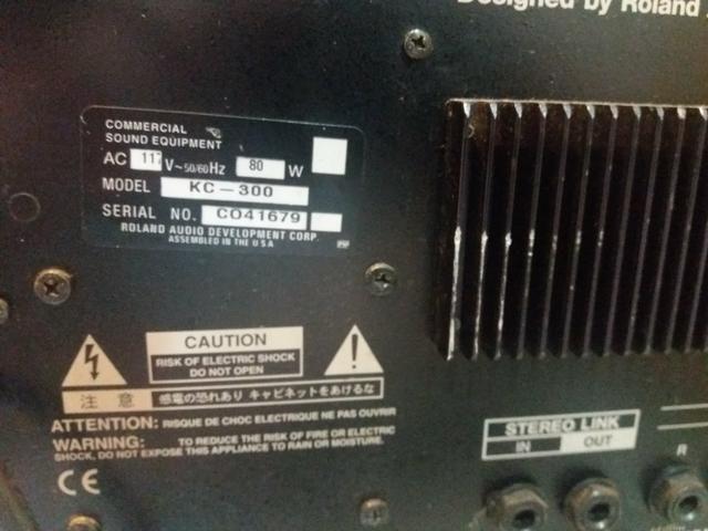 Amplificador Roland Kc 300 - Foto 3