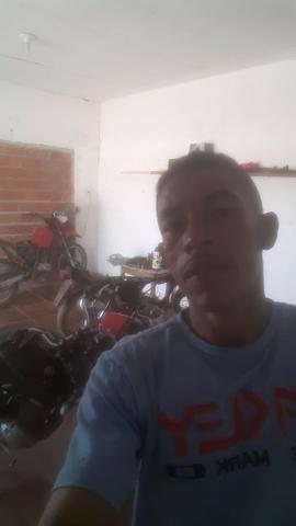 Estou vendendo carregado de baterias de moto - Foto 4