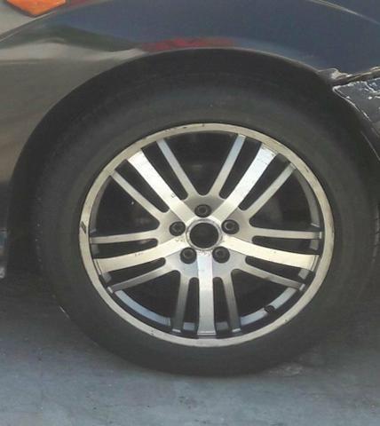 """Vende-se jogo de rodas 17"""" 5 furos com pneus meia vida! - Foto 3"""