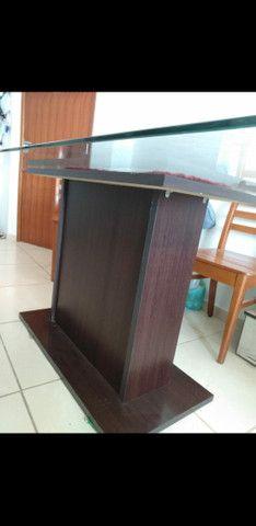 Mesa com tampo de vidro (somente a mesa)