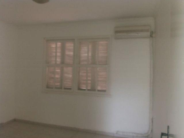 Aluga se Ótimo Apartamento 2 Quartos na Av. Carlos Gomes - Foto 7