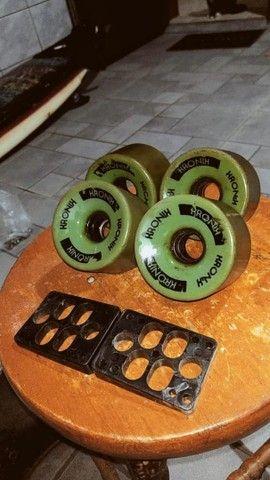 Rodas kronik longboard + dois elevadores - Foto 2