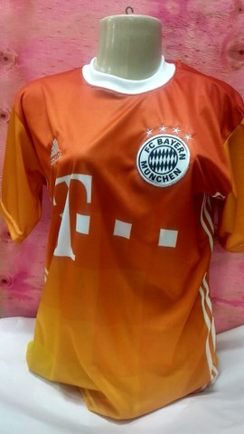 Camisas Futebol Internacional Masculina tamanho P adulto.
