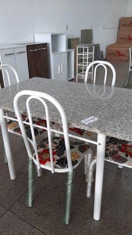 Mesa de Granito com 4 cadeiras - Foto 3