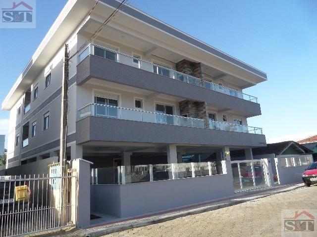 S&T# Belo apartamento de 3 dormitórios, muito bem localizado nos Ingleses! (48) 99693-1578