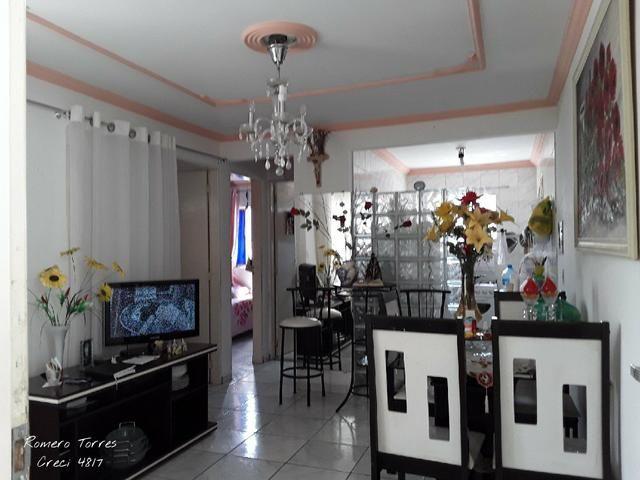 Apartamento condomínio Ilha Vitória no Farol