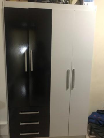 Vendo guarda-roupa 4 portas