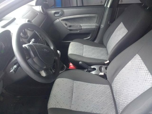 Fiesta Hatch 1.0 é Na World Car - Foto 4