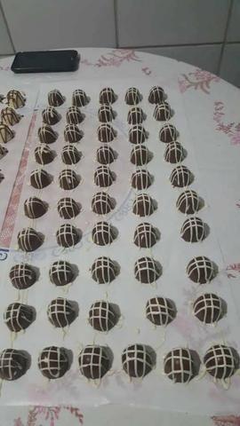 Trabalhamos com bolos e salgados e doces - Foto 2