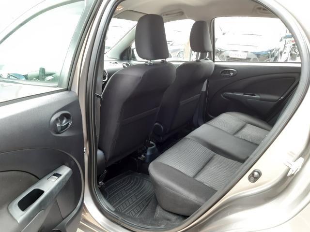 Toyota Etios XS 1.5 Automático 16/17 - Troco e Financio!! - Foto 13