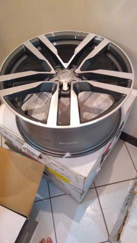 """Roda Audi TT 19"""" com pneu Original - Foto 2"""