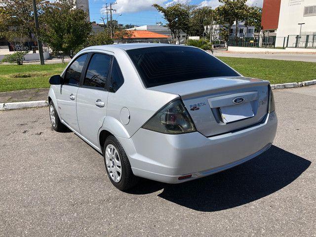 Fiesta Sedan 1.6 Completo + GNV Financia 100% - Foto 4