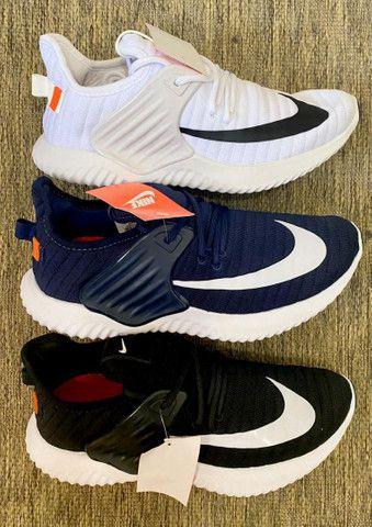 Tênis Nike - 150,00 avista