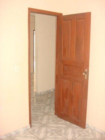 Benfica Apto com 02 Qtos, Sala, WC, Cozinha, 1 vaga para carro.(Cód.613) - Foto 7