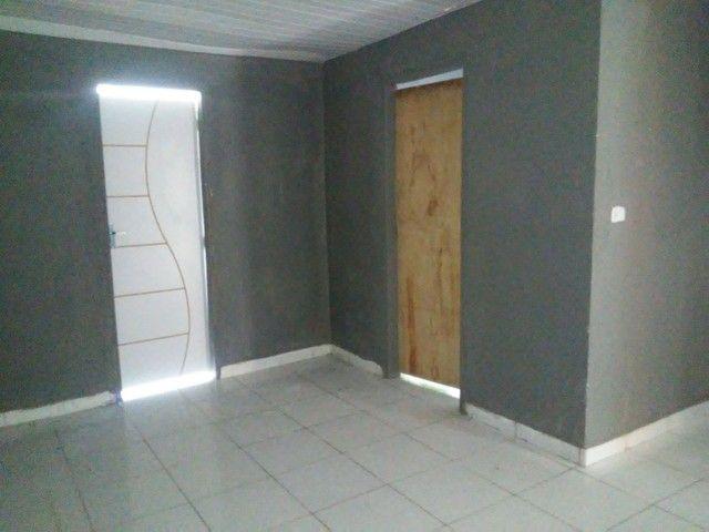 Alugo casa 3 quartos . 600 reais - Foto 3