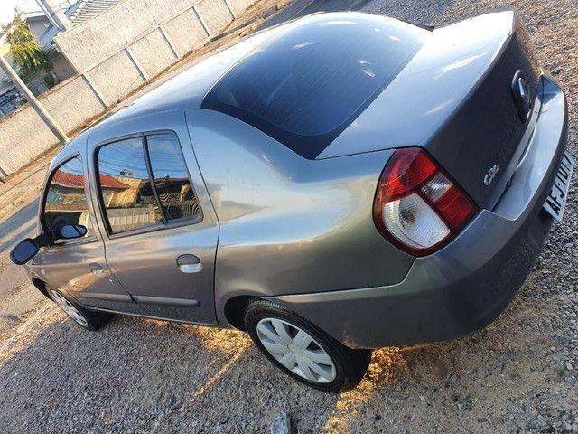 Clio Sedan Expression 1.0 16v 2005/2006 - Foto 3