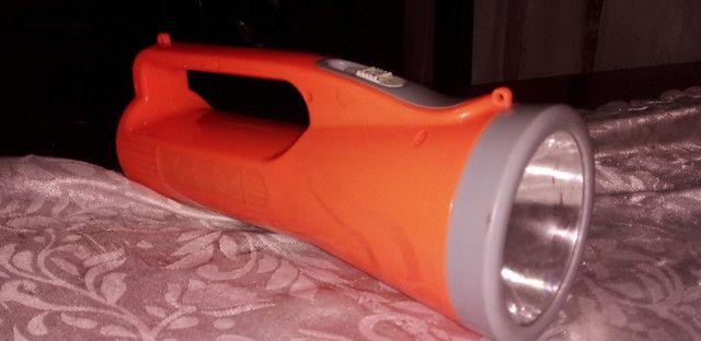 lanterna muto forte e com bateria recarregável