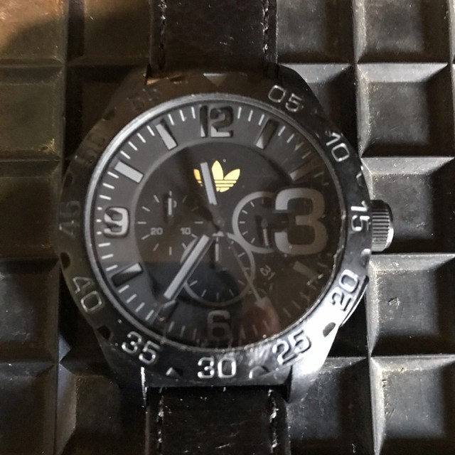 Relógio Adidas pulseira em Couro. - Foto 2