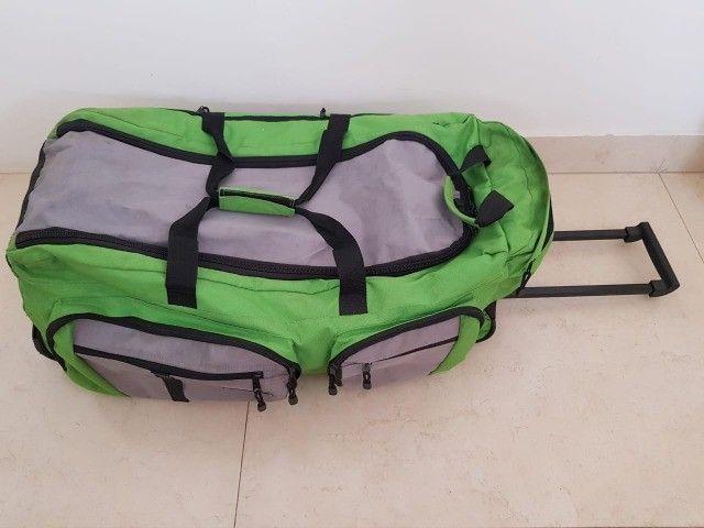 Bolsa grande com rodinhas - Foto 3