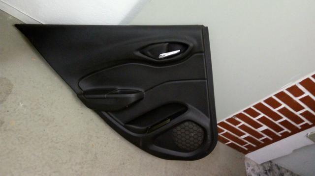 Forro Porta traseiro esquerdo Onix Prisma LTZ 2017 Original