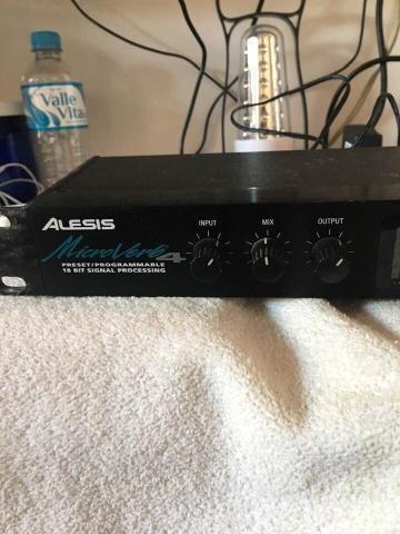 Processador de Efeito de Voz Alesis