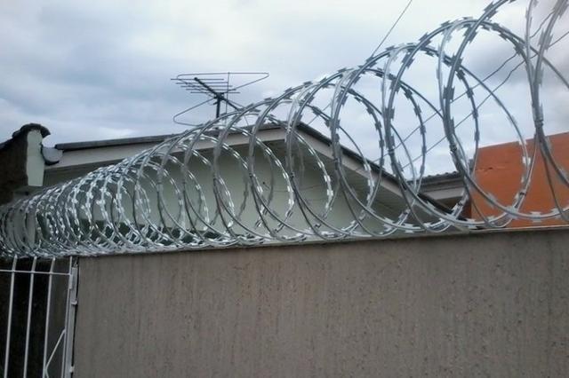 Instalação de Proteção de Casas e Empresas Aço Cortante