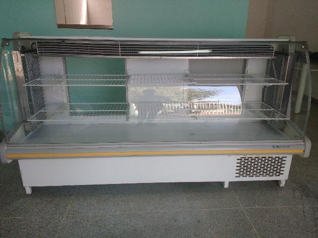Balção refrigerado e tenho também outros equipamentos pra cozinha industrial