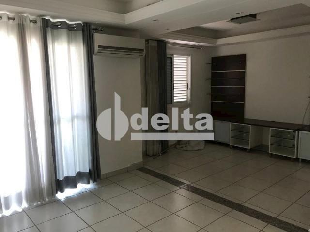 Apartamento para alugar com 3 dormitórios em Saraiva, Uberlândia cod:606262 - Foto 12