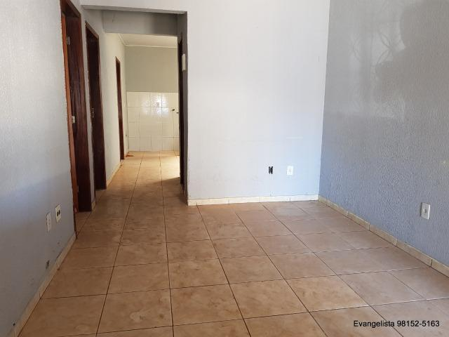 Urgente Linda Casa de 3 Quartos Escriturada + Barraco de Fundo - Foto 11
