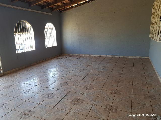 Urgente Linda Casa de 3 Quartos Escriturada + Barraco de Fundo - Foto 17