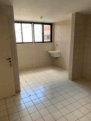 Apartamento no Cocó com 3 quartos + dependência de empregada - Foto 14