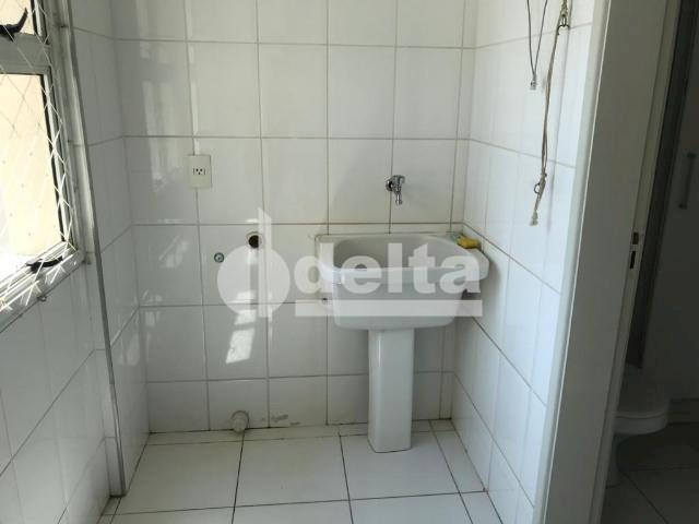 Apartamento para alugar com 3 dormitórios em Saraiva, Uberlândia cod:606262 - Foto 10