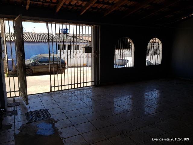 Urgente Linda Casa de 3 Quartos Escriturada + Barraco de Fundo - Foto 9
