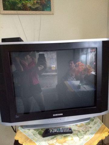 Televisão de tubo grande para retirada de peça - Foto 3