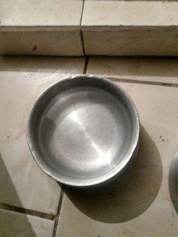 Vendo 2 pote de comida e água pra cachorro eu quero 50 reais nos 2  - Foto 6