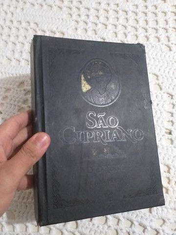 Livro São Cipriano Capa Preta $20