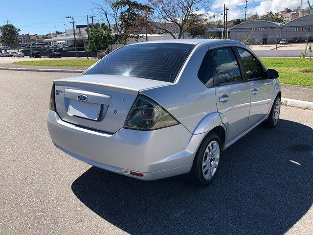 Fiesta Sedan 1.6 Completo + GNV Financia 100% - Foto 5