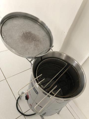 Fritadeira agua e oleo 220 volts com cesto duplo - Foto 2