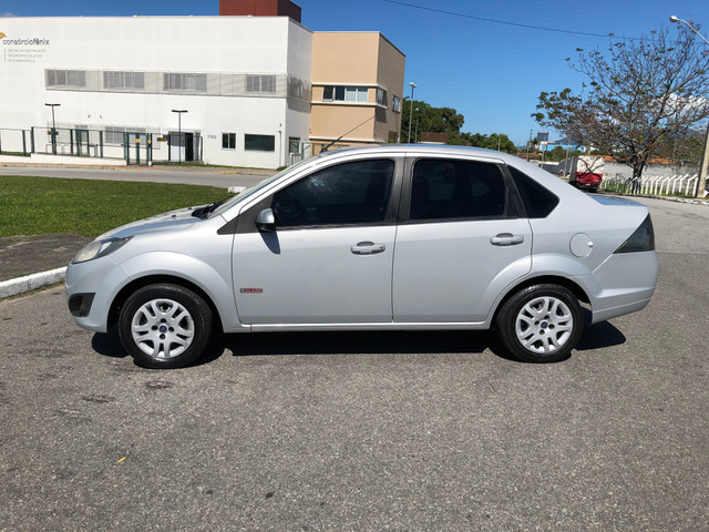 Fiesta Sedan 1.6 Completo + GNV Financia 100% - Foto 6